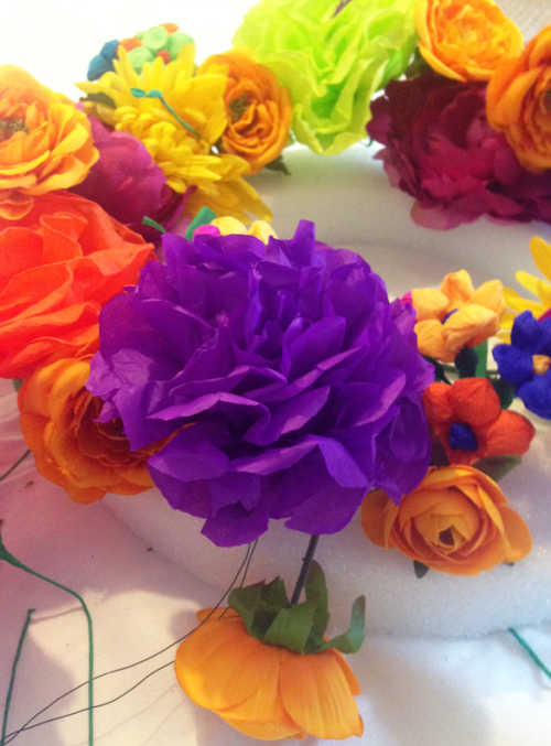 How-To: DIY Fiesta Wreath Push Flowers into Foam Wreath