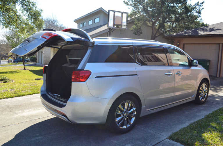 Lifehacks and Momhacks: My Week Driving the Kia Sedona SX – L (Review)