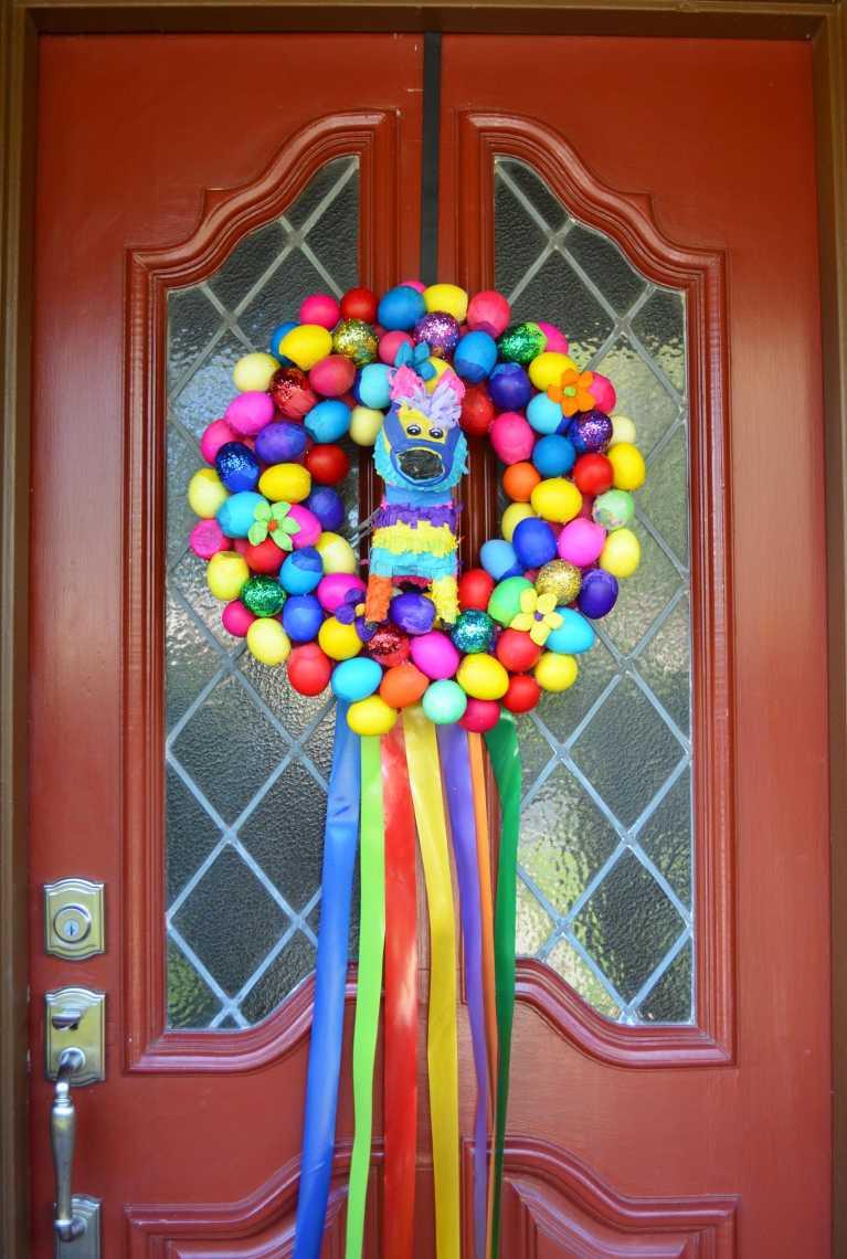 How-To: Easy DIY Glitter Cascarones Wreath