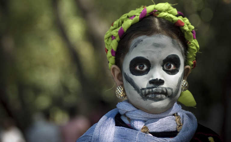 Literary Ofrendas: Must-read el Día de los Muertos Books for All Ages