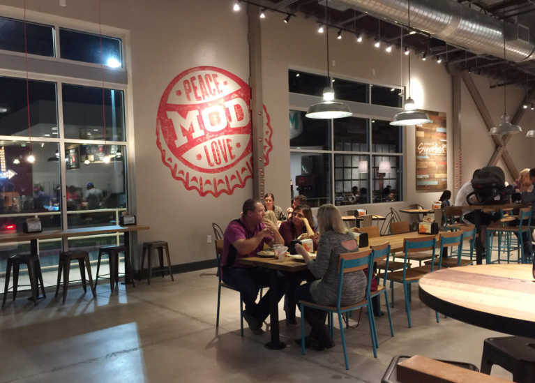 MOD Pizza San Antonio: A Fresh Approach to a Neighborhood Pizzeria